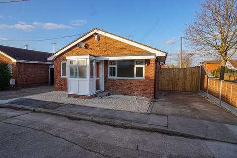 2 bedroom bungalow to rent - Green Lane, Canvey Island