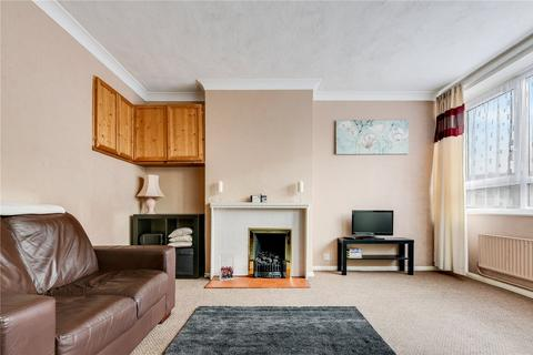 3 bedroom flat for sale - Southwater Close, London, E14