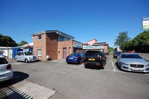 Industrial unit to rent - Dumbarton Road, Clydebank