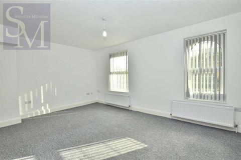 2 bedroom flat to rent - High Road, Woodford Green, Essex