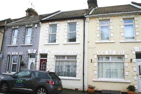 3 bedroom terraced house to rent - Regent Road, Gillingham