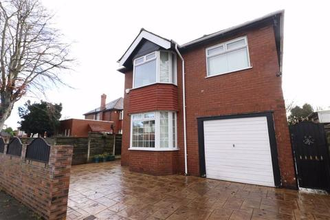 3 bedroom detached house for sale - Kings Road, Firswood, Manchester, M16