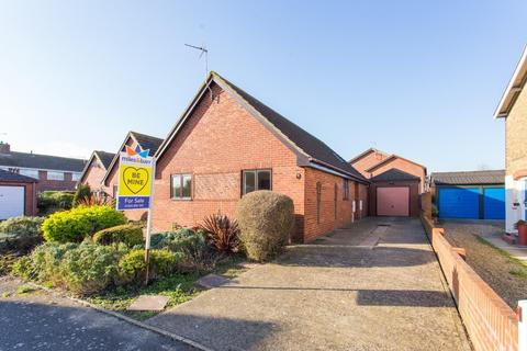 3 bedroom detached bungalow for sale - Sydcot Drive, Deal