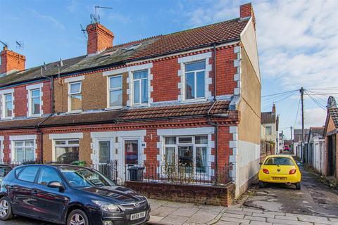 3 bedroom end of terrace house for sale - Nesta Road, Canton, Cardiff