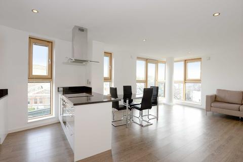 2 bedroom flat to rent - Borough Road, Borough, London, SE1