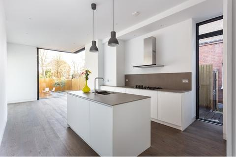 4 bedroom semi-detached house to rent - Kings Avenue, Woodford Green, IG8