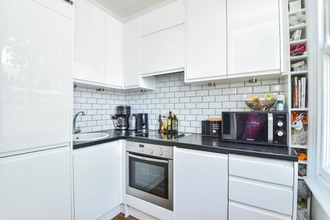 2 bedroom flat to rent - Upham Park Road London W4