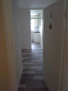2 bedroom flat to rent - Flat 2, Charles St, Milford Haven SA73