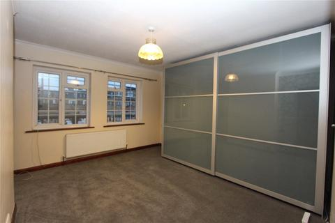 3 bedroom flat to rent - Crestbrook Place, Green Lanes, Palmers Green, London, N13