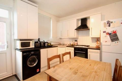 4 bedroom terraced house to rent - Burns Road, SHEFFIELD S6