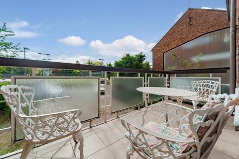 3 bedroom maisonette for sale - Hurstwood Road, Finchley, London. NW11 0AU