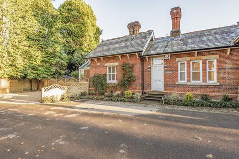 2 bedroom house to rent - Brockenhurst Road, Ascot, Berkshire, SL5