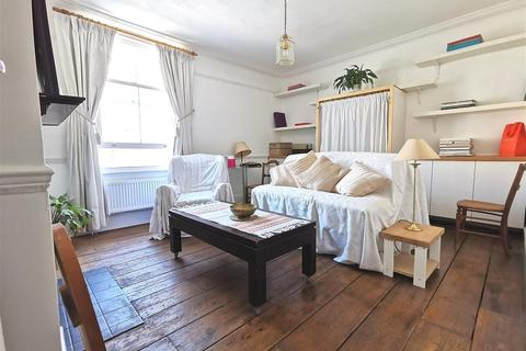 2 bedroom maisonette for sale - Upper Richmond Road, SW15