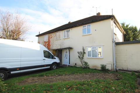 3 bedroom semi-detached house to rent - Rutters Close, West Drayton, UB7 9AL