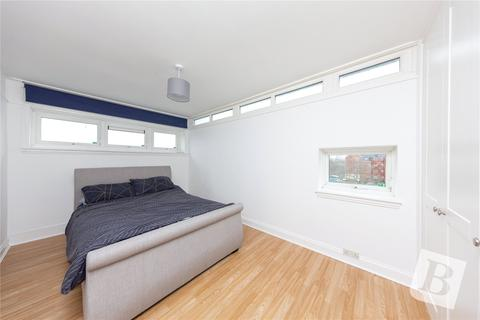 1 bedroom apartment for sale - Clay Hill Road, Basildon, Essex, SS16