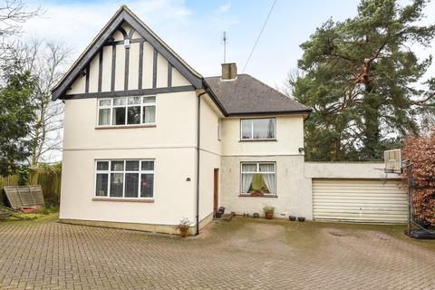 4 bedroom detached house to rent - Harefield Road, Uxbridge, UB8