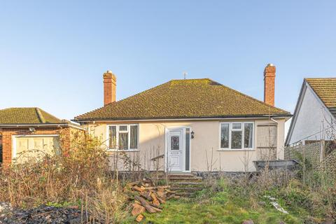 2 bedroom detached bungalow for sale - Kennington, Oxford, OX1