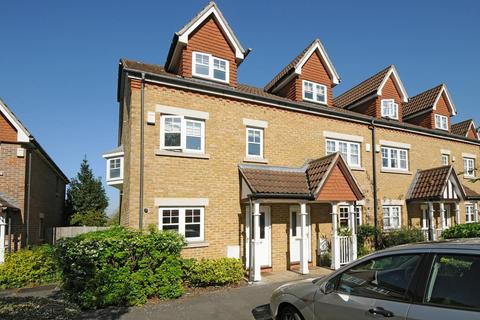 3 bedroom house to rent - Fawcett Close Streatham Hill SW16