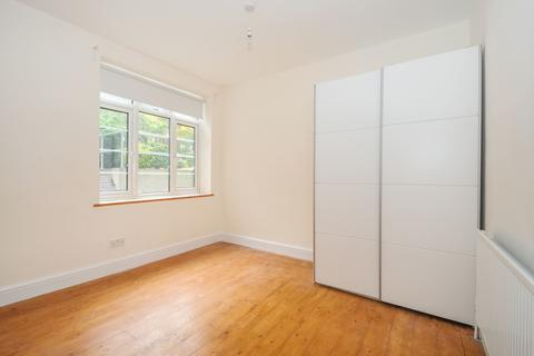 2 bedroom flat to rent - Risborough Close Muswell Hill N10