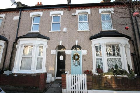 4 bedroom terraced house to rent - Moffat Road, London, SW17