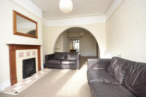 2 bedroom terraced house to rent - Lyndhurst Road, BATH, Somerset, BA2