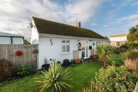 2 bedroom detached bungalow for sale - Russell Drive, Whitstable, Kent