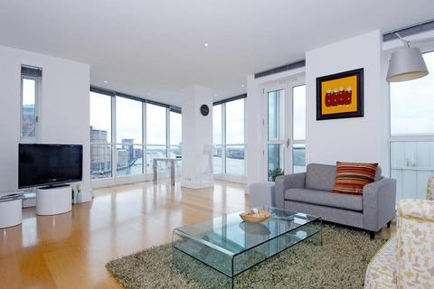 2 bedroom flat to rent - Berkeley Tower, 48 Westferry Circus, Canary Wharf, London