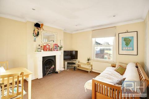 1 bedroom apartment to rent - Sparsholt Road, London, N19