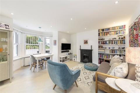 3 bedroom flat for sale - Probyn Road, London, SW2