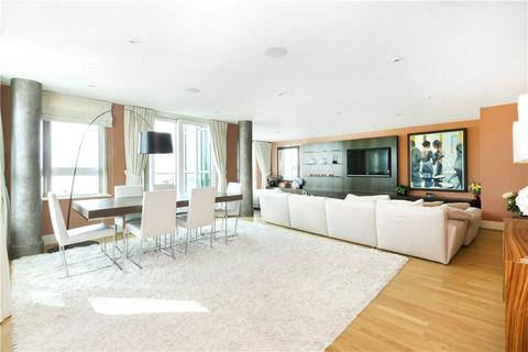 3 bedroom apartment to rent - St. George Wharf, London, SW8