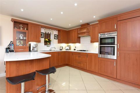 5 bedroom detached house for sale - Lamtarra Way, Newbury, Berkshire, RG14