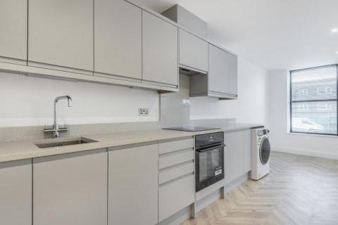 1 bedroom flat to rent - London Road, Camberley, GU15