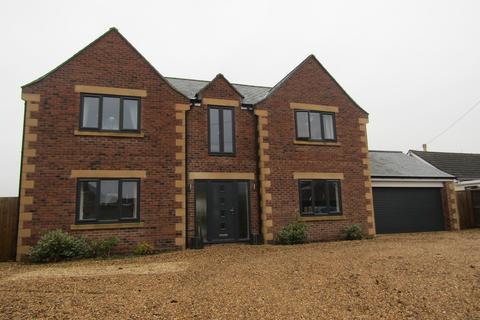 4 bedroom detached house to rent - High Street, Chapmanslade