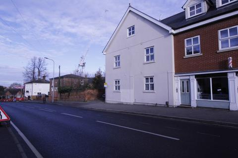 2 bedroom flat to rent - Military Road, Colchester