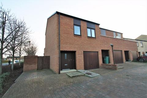 3 bedroom terraced house for sale - Rollesby Way, North Shore, Stockton, TS18 2SU