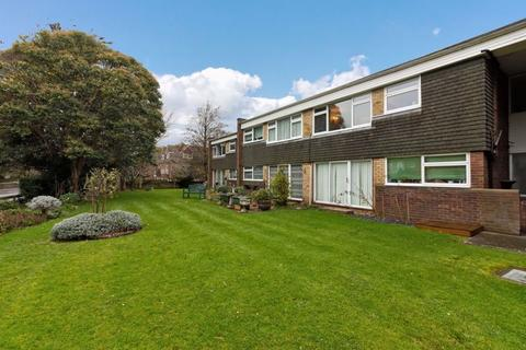 2 bedroom flat for sale - College Gardens, Worthing
