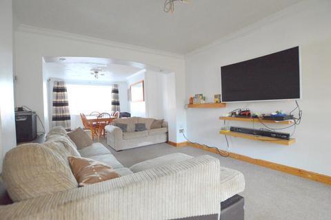 3 bedroom semi-detached house for sale - Icknield Way, Warden Hills, Luton, Bedfordshire, LU3 2JS
