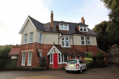 3 bedroom apartment for sale - 18 Mckinley Road, Bournemouth BH4 8AP