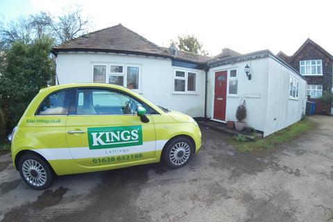 2 bedroom bungalow - Newlands Drive, Maidenhead