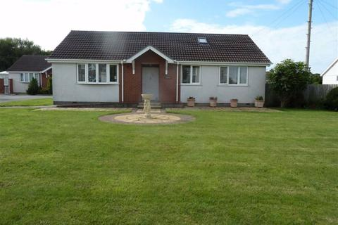 3 bedroom detached bungalow for sale - Swn Yr Afon, Moelfre, Isle Of Anglesey
