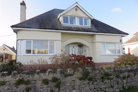3 bedroom detached bungalow for sale - Bay View Road, Benllech, Isle Of Anglesey