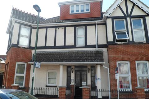 1 bedroom flat for sale - Walpole Road, Bournemouth, BH1