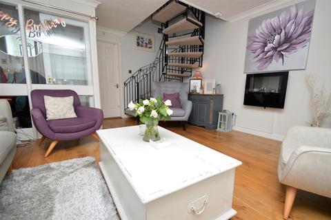 3 bedroom house to rent - Harvesters Way, Weavering, Maidstone