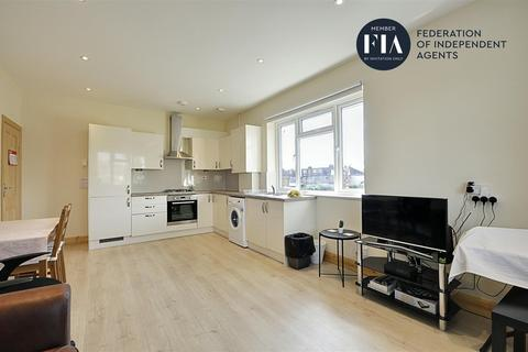 2 bedroom flat to rent - Friary Road, Acton