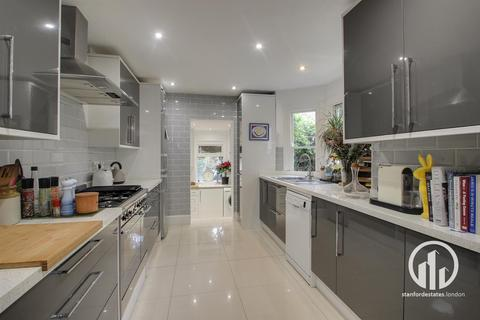 4 bedroom house for sale - Leahurst Road, Hither Green, London