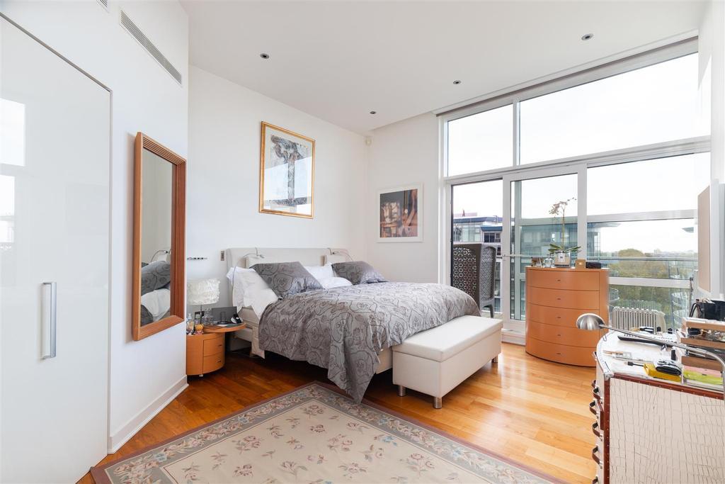 Howard Building, 368 Queenstown Road apt 72 bed1.j