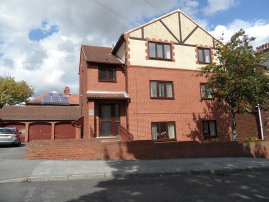 3 Bedrooms Apartment Flat for sale in Flat 2, 35 Kensington Road, Barnsley, S75 2TU