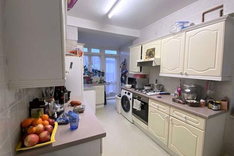 3 bedroom semi-detached house to rent - Charminster Avenue, Merton Park, SW19