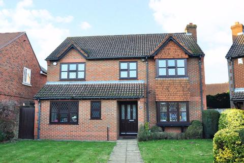 4 bedroom detached house to rent - Earlsfield