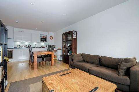 2 bedroom flat to rent - Derry Court, Streatham